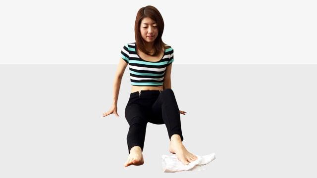 タオルを使ってできる偏平足・外反母趾を治して美脚になる方法-03