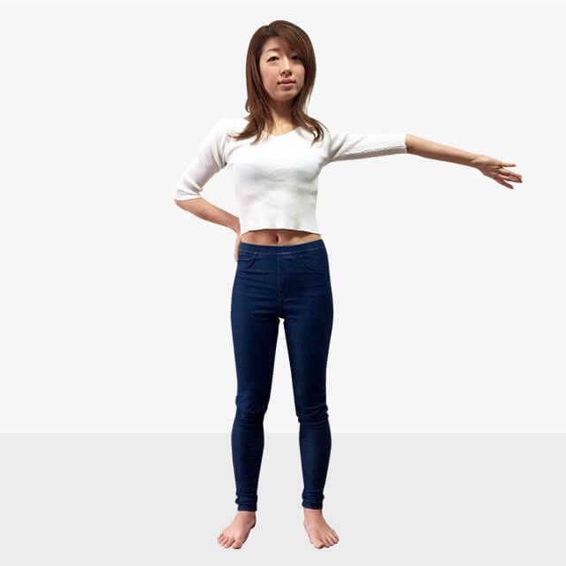 女性らしさ惹き立てる!華奢に見える筋肉の鍛え方②二の腕-03