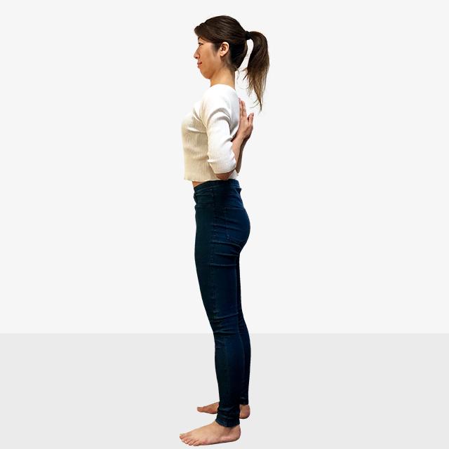 寒さで丸まってしまった姿勢をシャキッと正す!肩周りのストレッチ-10