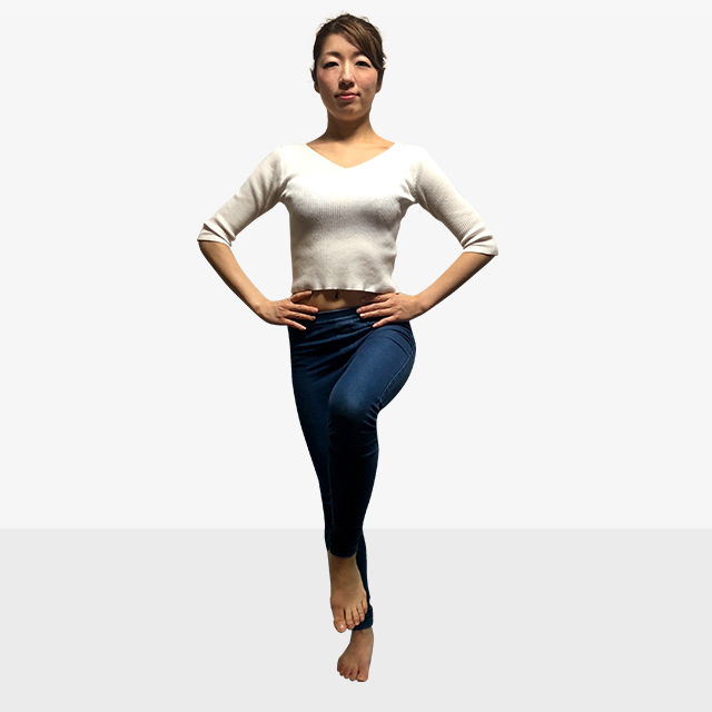 太くなった筋肉を細くしたい!室内でできる有酸素運動「もも上げ」-04