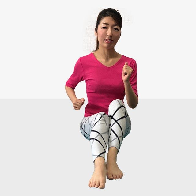 硬いお尻を柔らかくするトレーニング「お尻歩きエクササイズ」-06