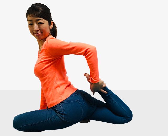 筋肉質な足の「元運動部」は卒業!美しい前もも作りエクササイズ-04
