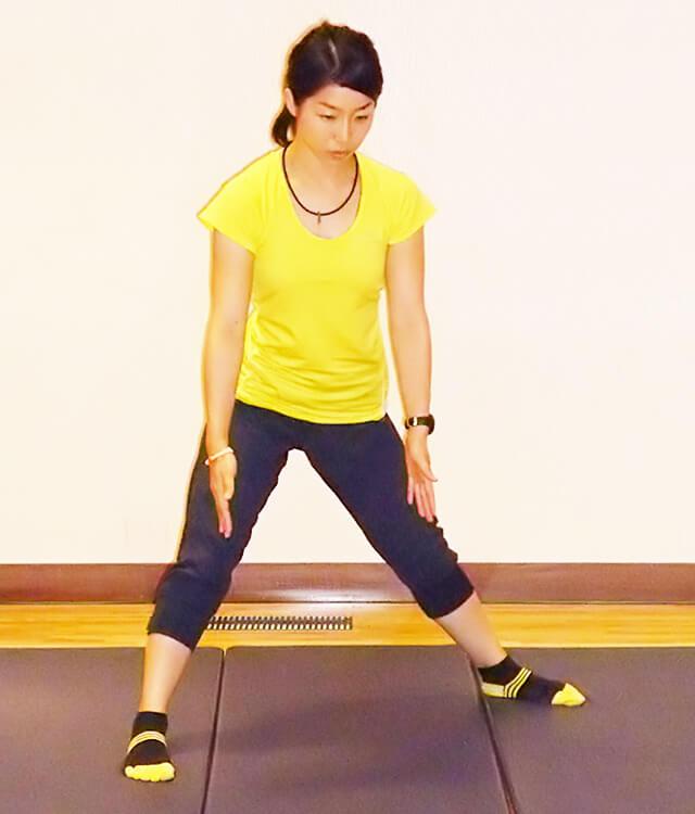 痩せるために鍛えるべき筋肉!「ベントオーバーサイドランジ」-03