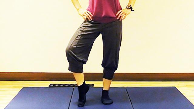 徹底的に太ももにすきまを作る「片足立ちエクササイズ」