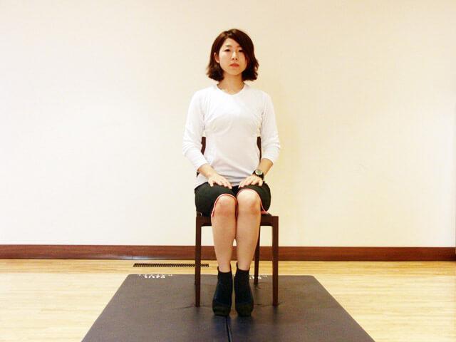 普段から心がけよう!痩せる座り方!-05
