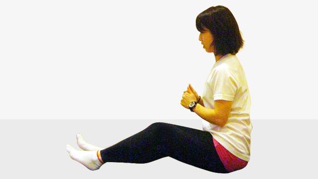 寝る前5分で簡単太ももの引き締めエクササイズ「お尻歩き」