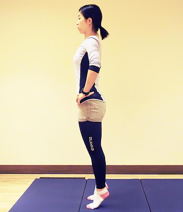 普段から心がけよう痩せる立ち方!代謝アップの立ち姿勢②-01