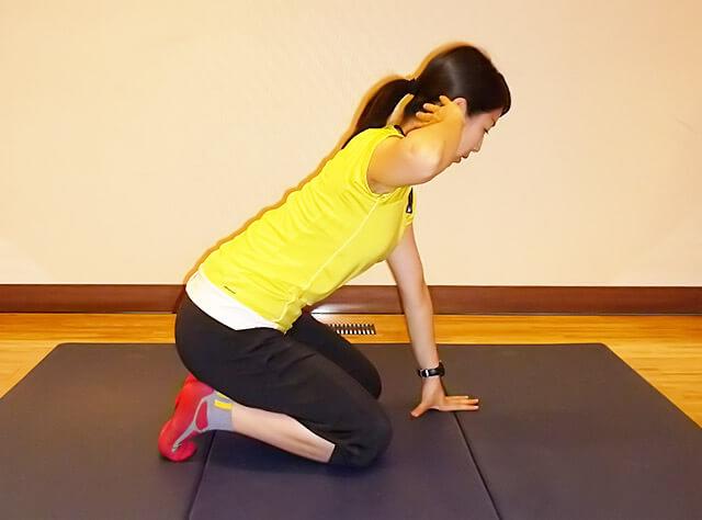 基礎代謝上げ&肩コリ予防!肩こりにも効く肩甲骨ローテーション-02
