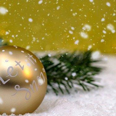 スノースプレー人気おすすめ7選|クリスマスのデコレーションに・使い方も解説