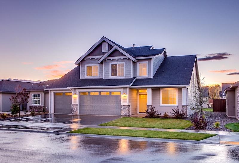低金利で大きな金額を借りられる!不動産担保ローンの特徴と注意点