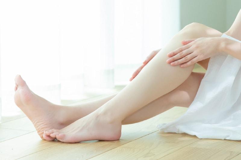 足脱毛が安くできるおすすめサロンはどこ?パーツ別料金や効果を解説!
