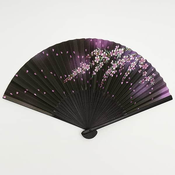 伏見上野 婦人用扇子 黒染中彫 しだれ桜 箱付き