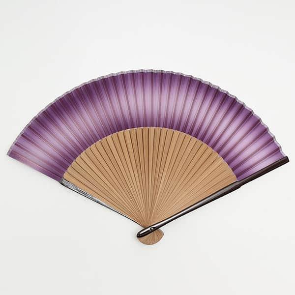 伏見上野 絹貼扇子 親ラメ塗 唐木 紫ぼかし 箱付き