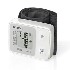 オムロン 手首式血圧計 HEM-6121