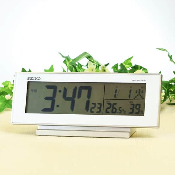 セイコークロック 温度表示・湿度表示つき 電波目ざまし時計 SQ762W