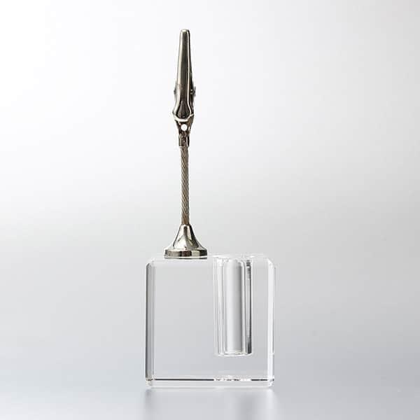 ペン本来のデザイン性を損なわない、光学ガラス製の一本差しペンスタンド