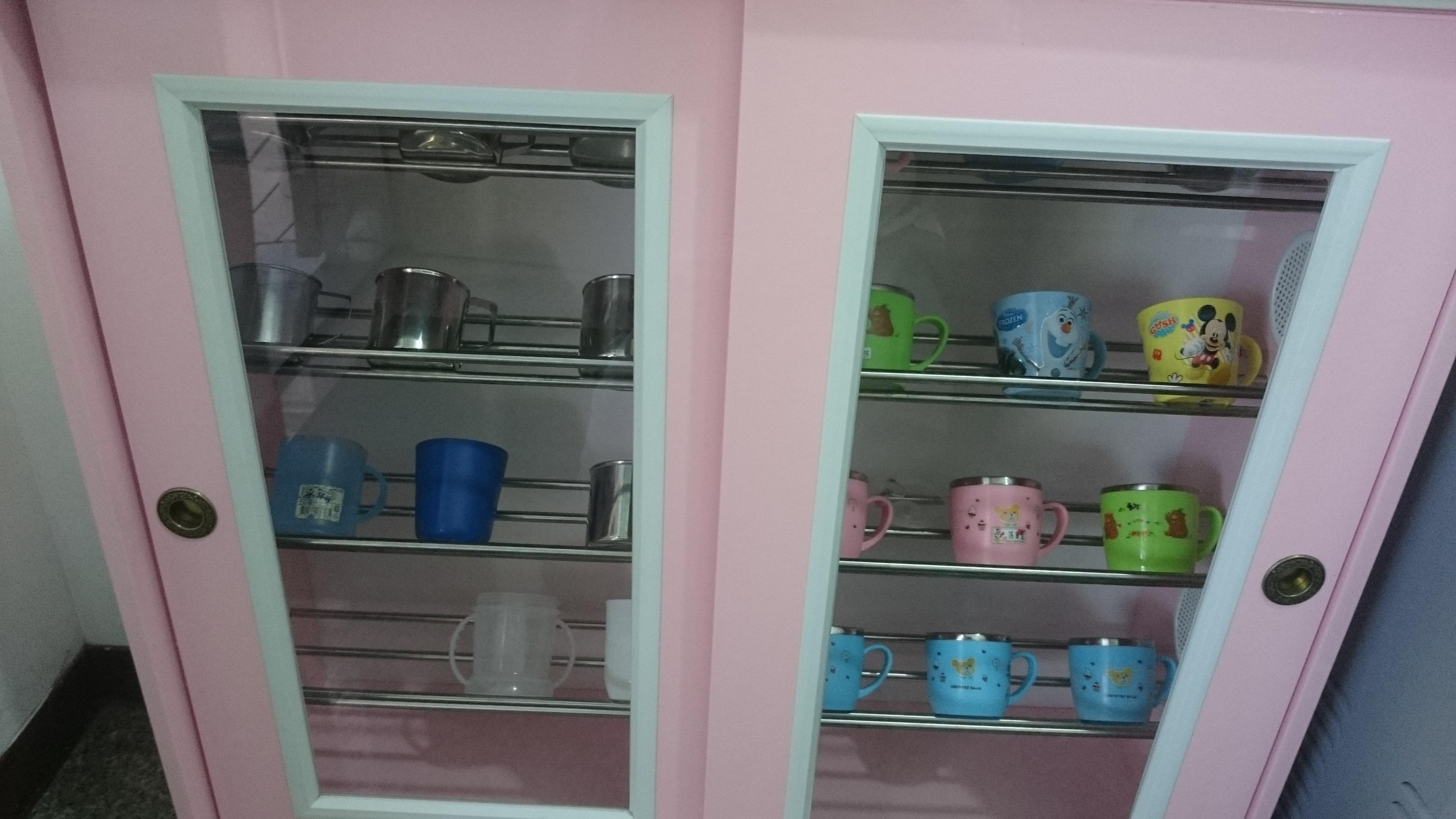 牙刷水杯櫃.JPG