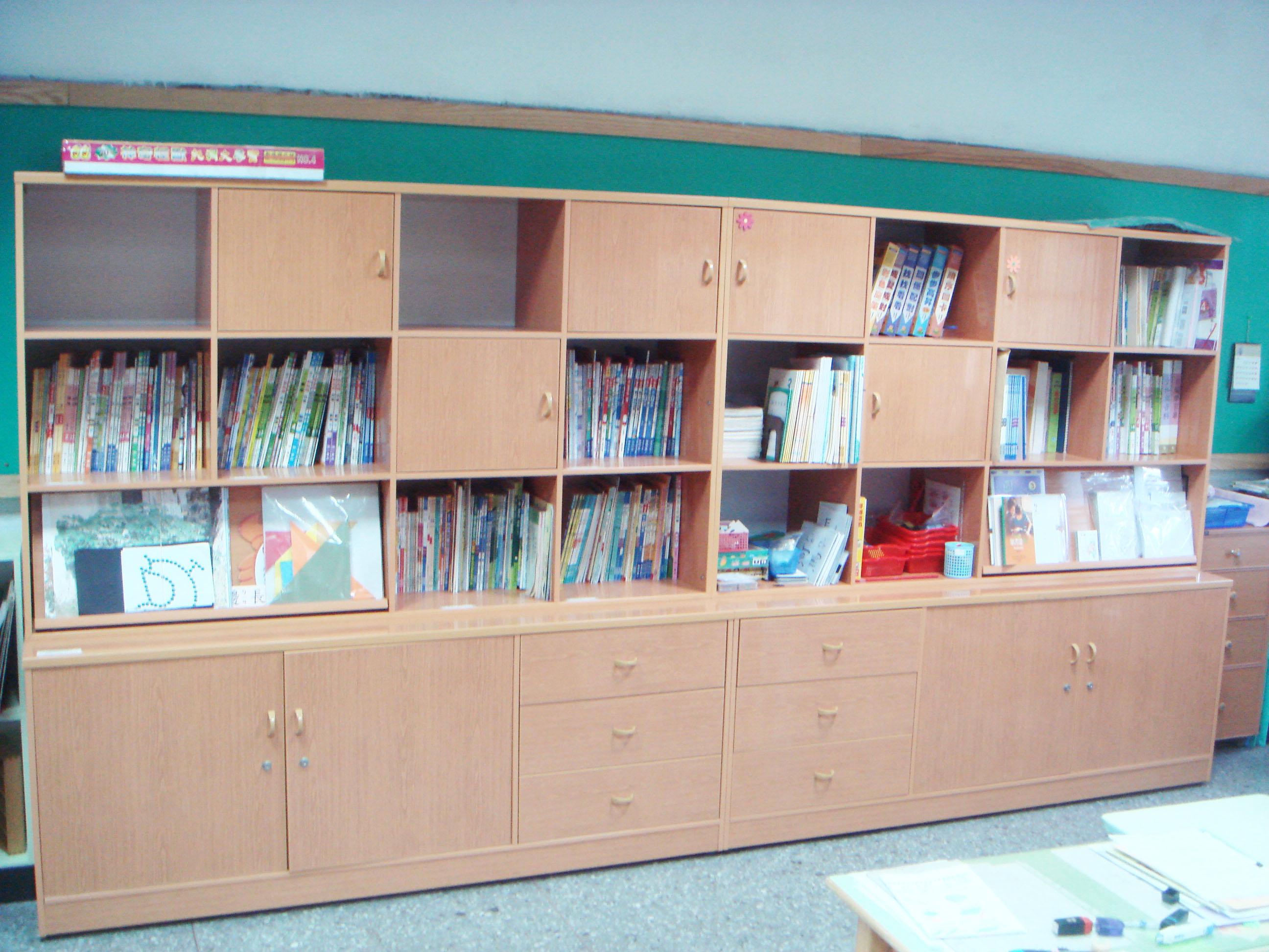 圖書櫃.JPG