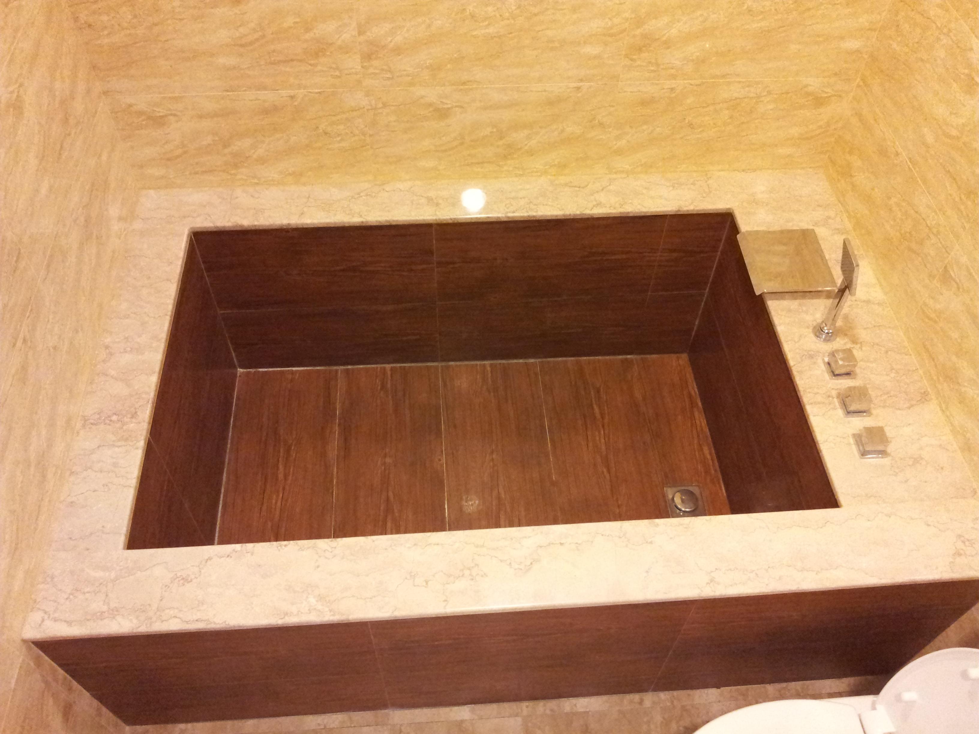 台北住家浴缸施工.jpg