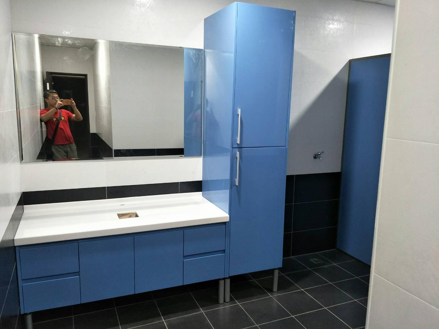 鏡面烤漆浴櫃-1