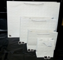 b151 白色大方格紋紙袋