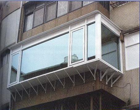 防盜窗陽台凸窗.jpg