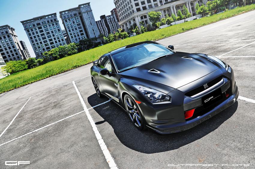 Nissan GTR (12).jpg