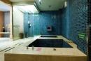 湧泉按摩大浴池