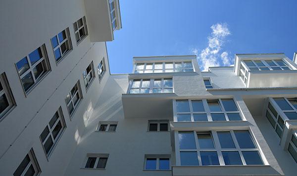大樓外牆玻璃清潔.jpg