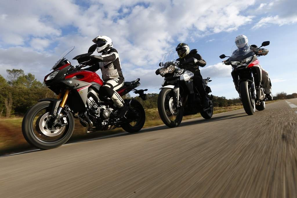 Comparison-between-Yamaha-MT-09-Tracer-Triumph-Tig
