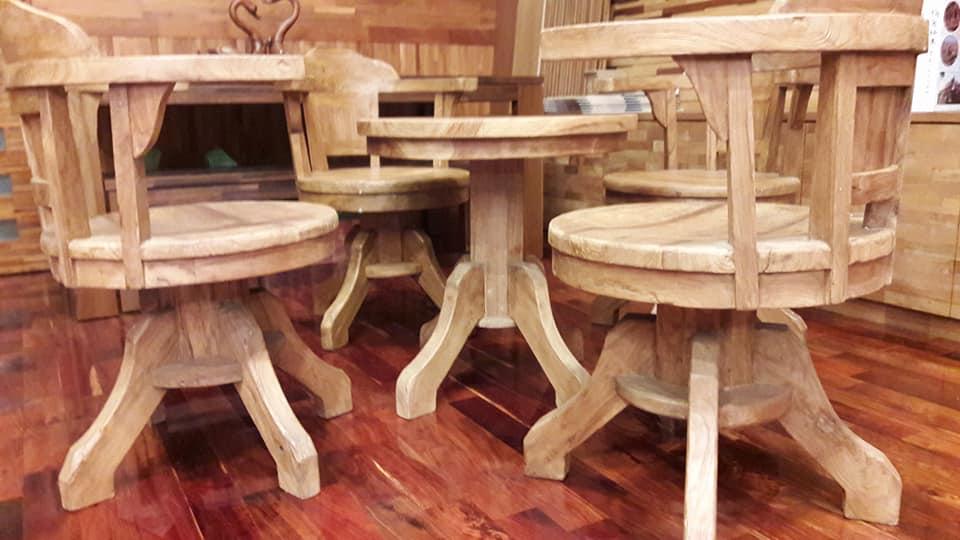 實木柚木桌椅.jpg