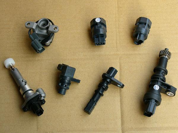 汽車材料.引擎電裝品.引擎噴射零件.怠速馬達.O2.T.P.S噴油嘴.分電盤.空氣流量器 (4).j