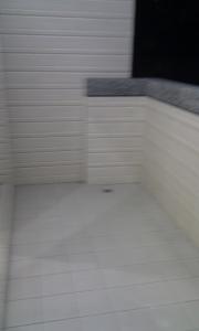清除牆壁污漬