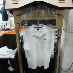 專業衣服包裝機.JPG