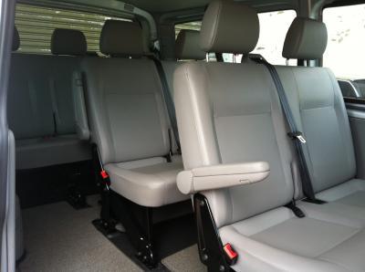 福斯T5 自排九人座柴油休旅車-1.jpg