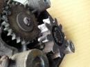 鐵捲門馬達齒輪蹦齒, 隔板齒輪蹦齒換新