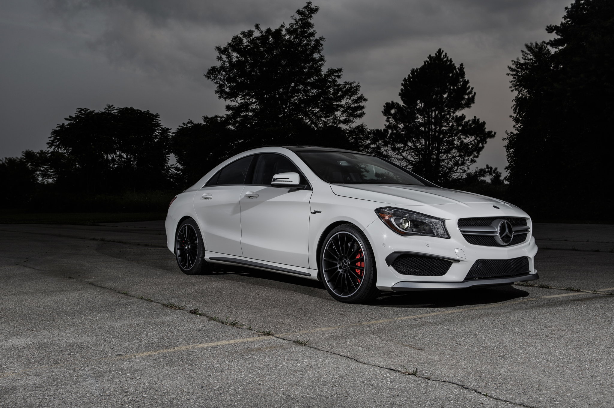 college-cars-07-2014-mercedes-benz-cla45-amg-front