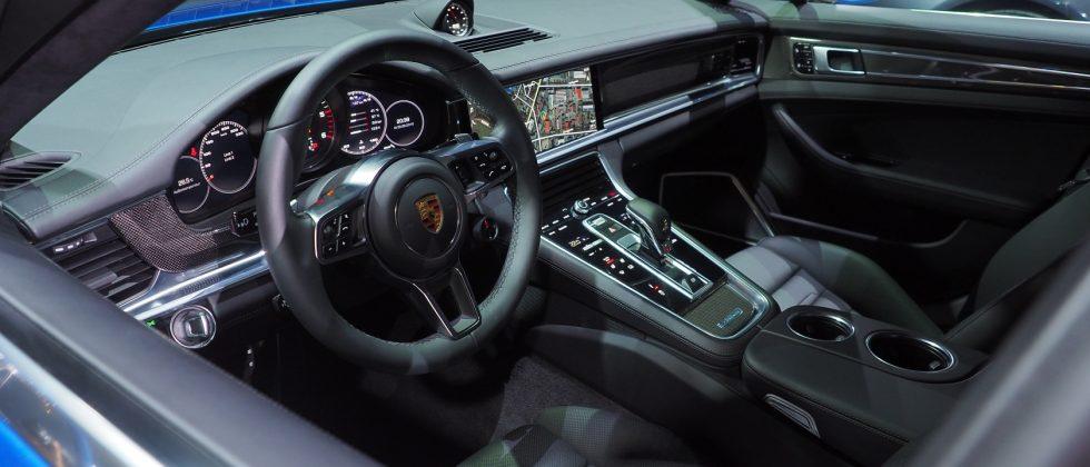Porsche-2017-Panamera-Interior0-980x420.jpg