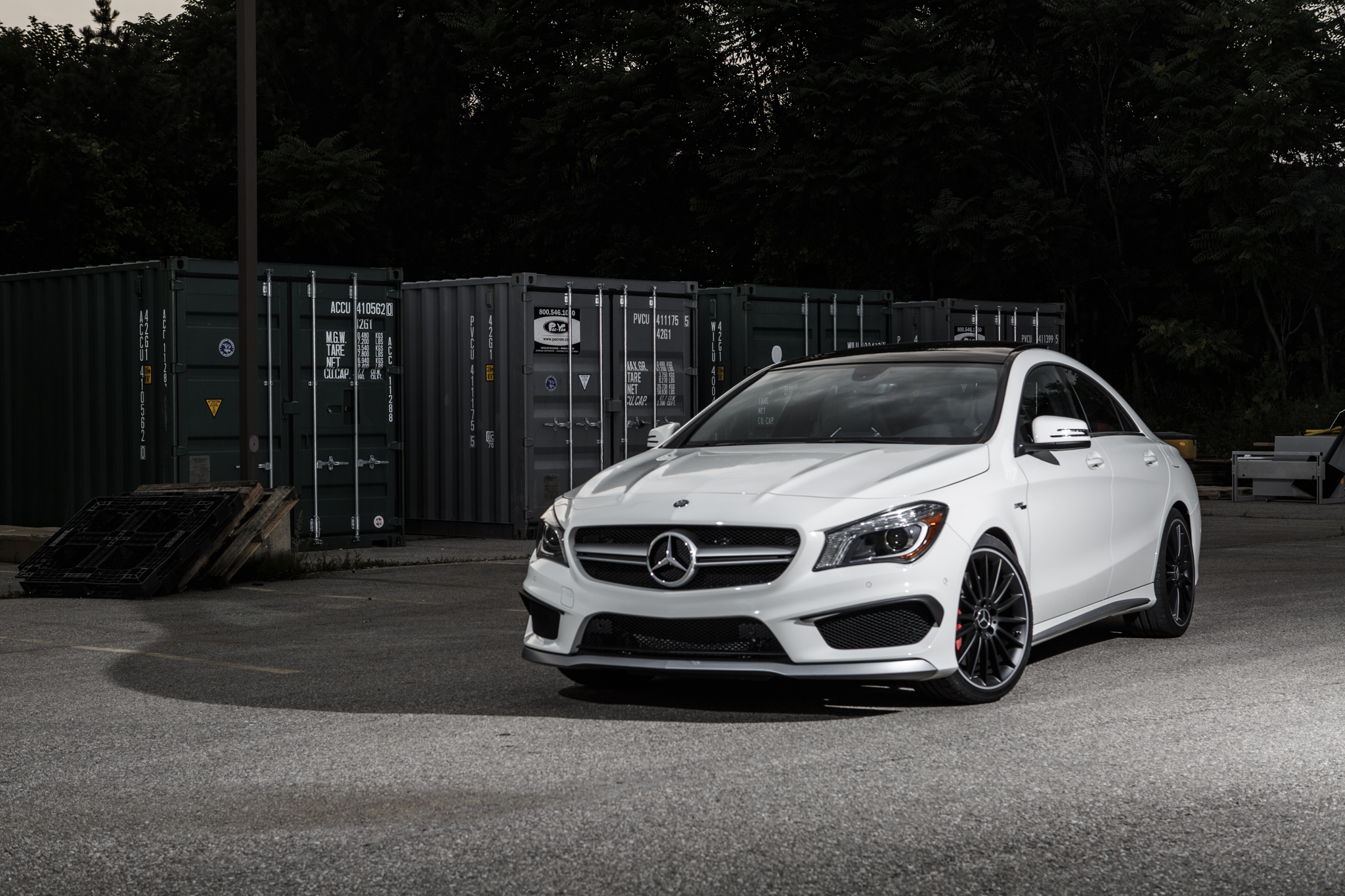 college-cars-24-2014-mercedes-benz-cla45-amg-front
