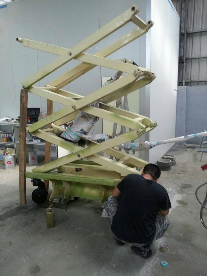 高空作業車全車拆解防鏽噴漆整新1.jpg