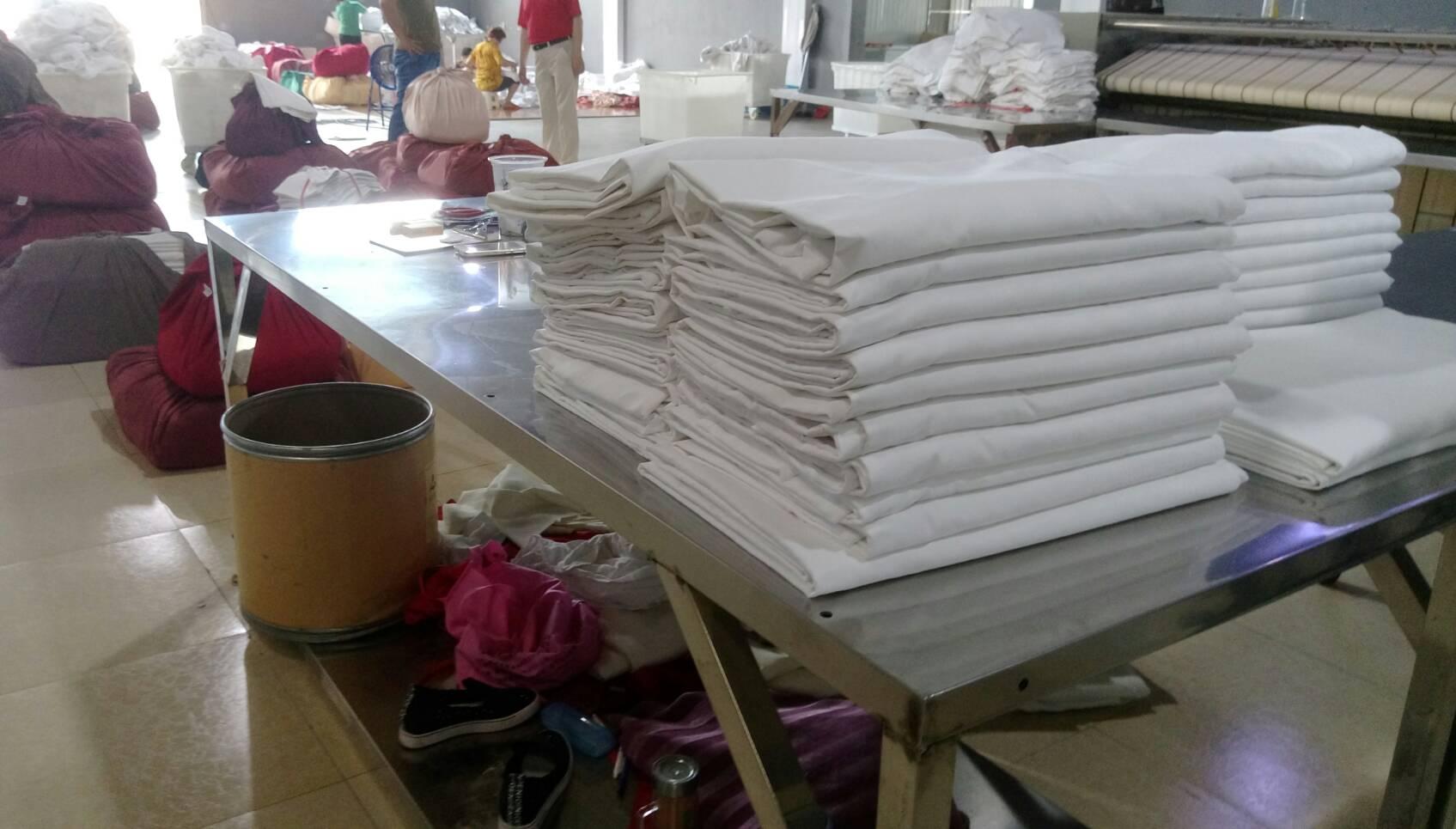 毛巾經毛巾折疊機之堆疊後.jpg