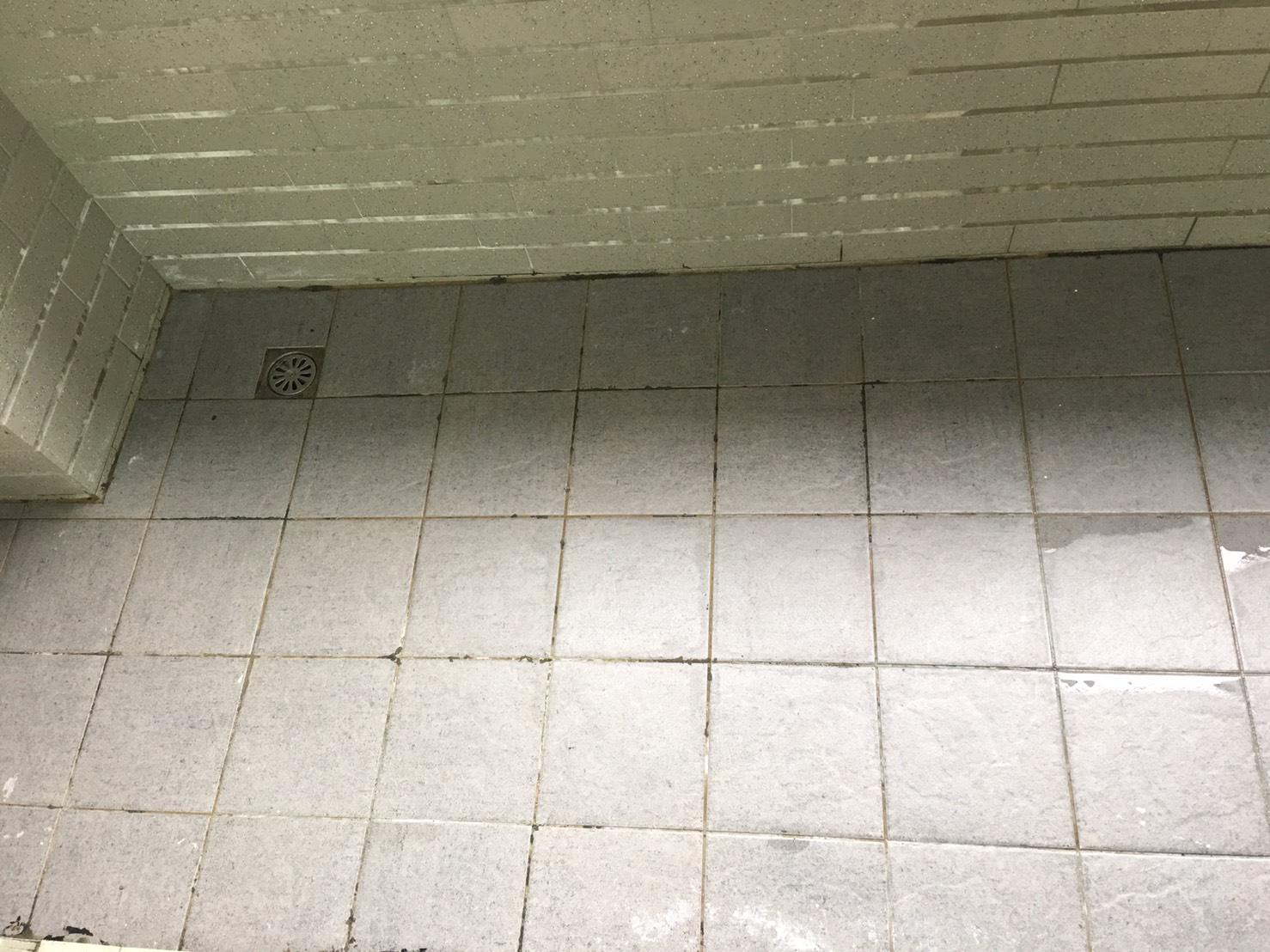 陽台地板清潔清潔後.jpg