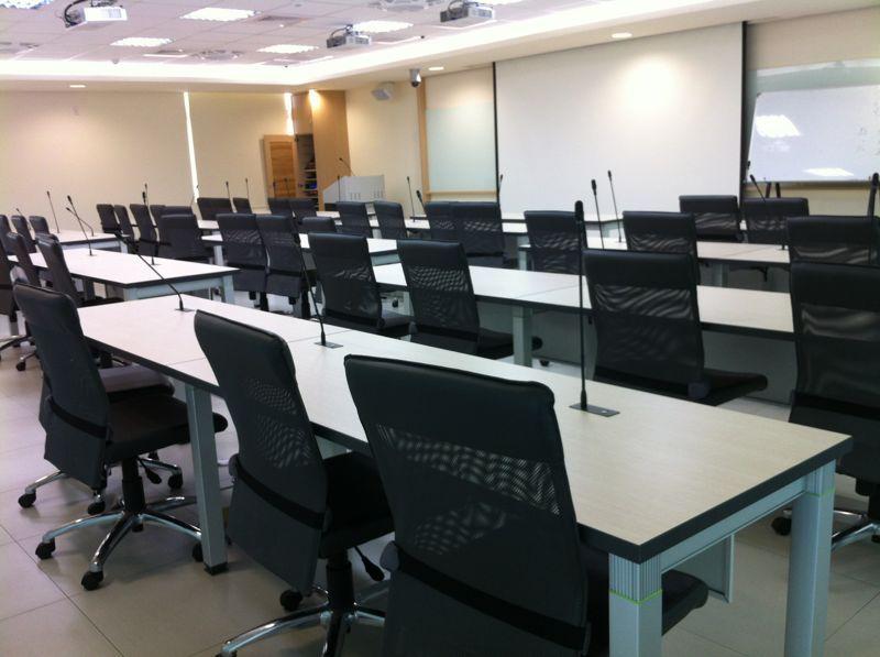 南台科技大學遠端視訊會議室 (1).jpg
