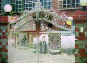 造型鐵門彎管.jpg