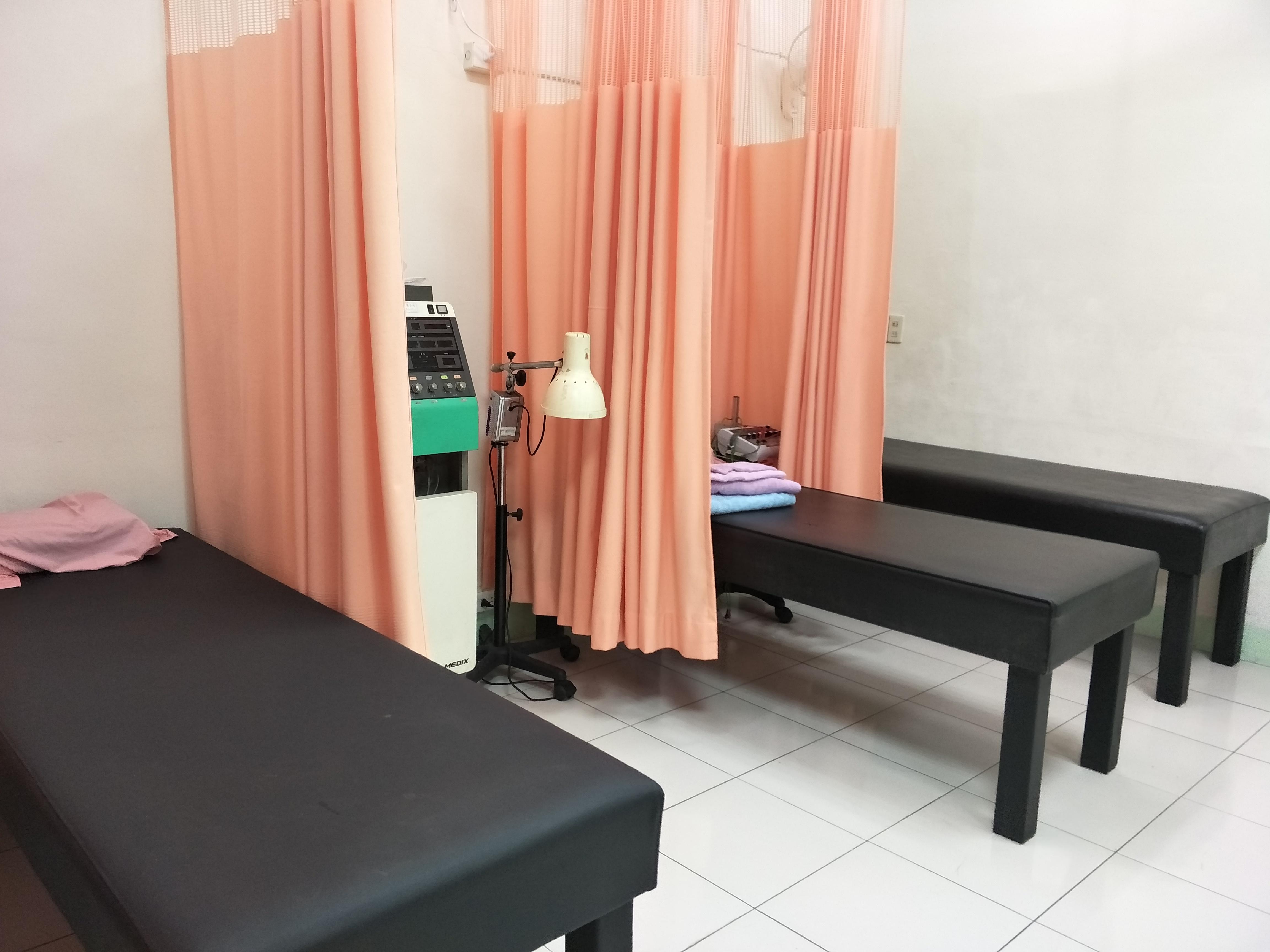恆安堂-傷科針灸診療區-1.jpg