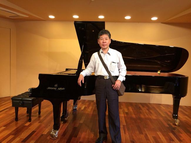 日本新宿KAWAI公司 參觀鋼琴.jpg