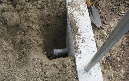 點焊網擋土牆設置洩水管.jpg