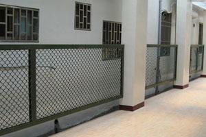 邊框安全圍籬.jpg
