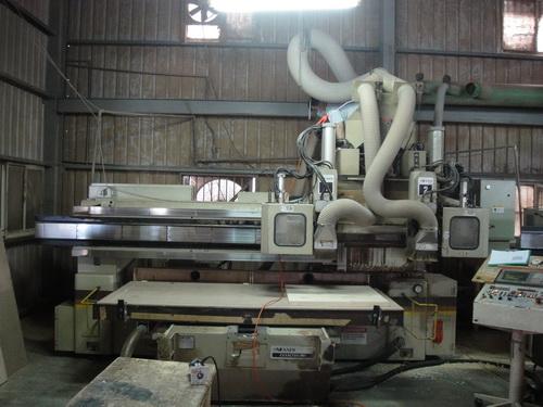 CNC雕刻機-2.jpg