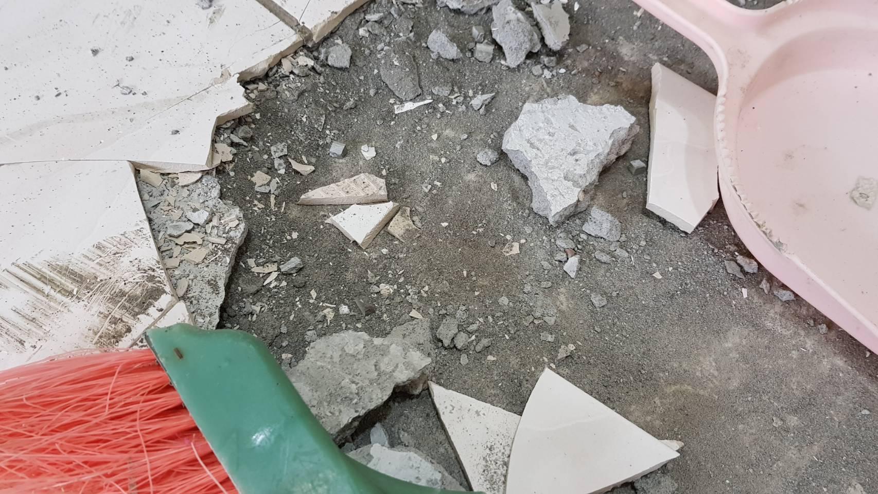 新北市住家客廳地磚更新工程-鑫侑企業社,板橋室內裝修,中和室內裝修,永和室內裝修,新店室內裝修 (7)